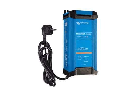Chargeur de batterie solaire IP22-12V-20A-3-Sorties-Victron Energy.