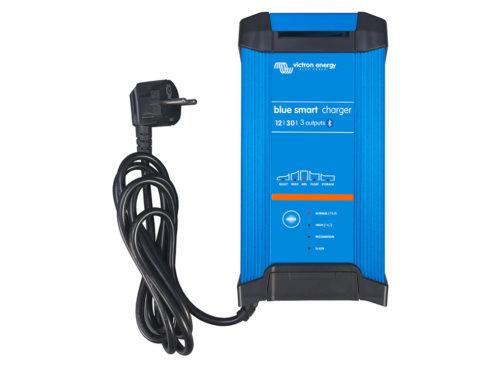 Chargeur de batterie solaire 3-sorties-30A-12V-IP22 Victron Energy.