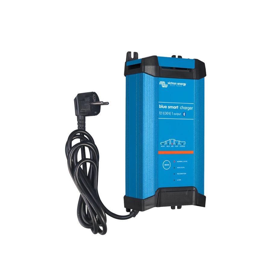 Chargeur de batterie solaire IP22/12V-30A-1 Sortie Victron Energy.